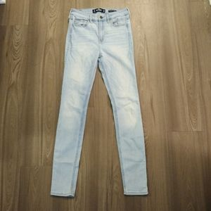 Hollister high rise super skinny jeans sz 26